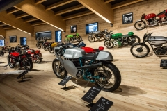 b-f_W3002093-top-mountain-crosspoint-motorradmuseum