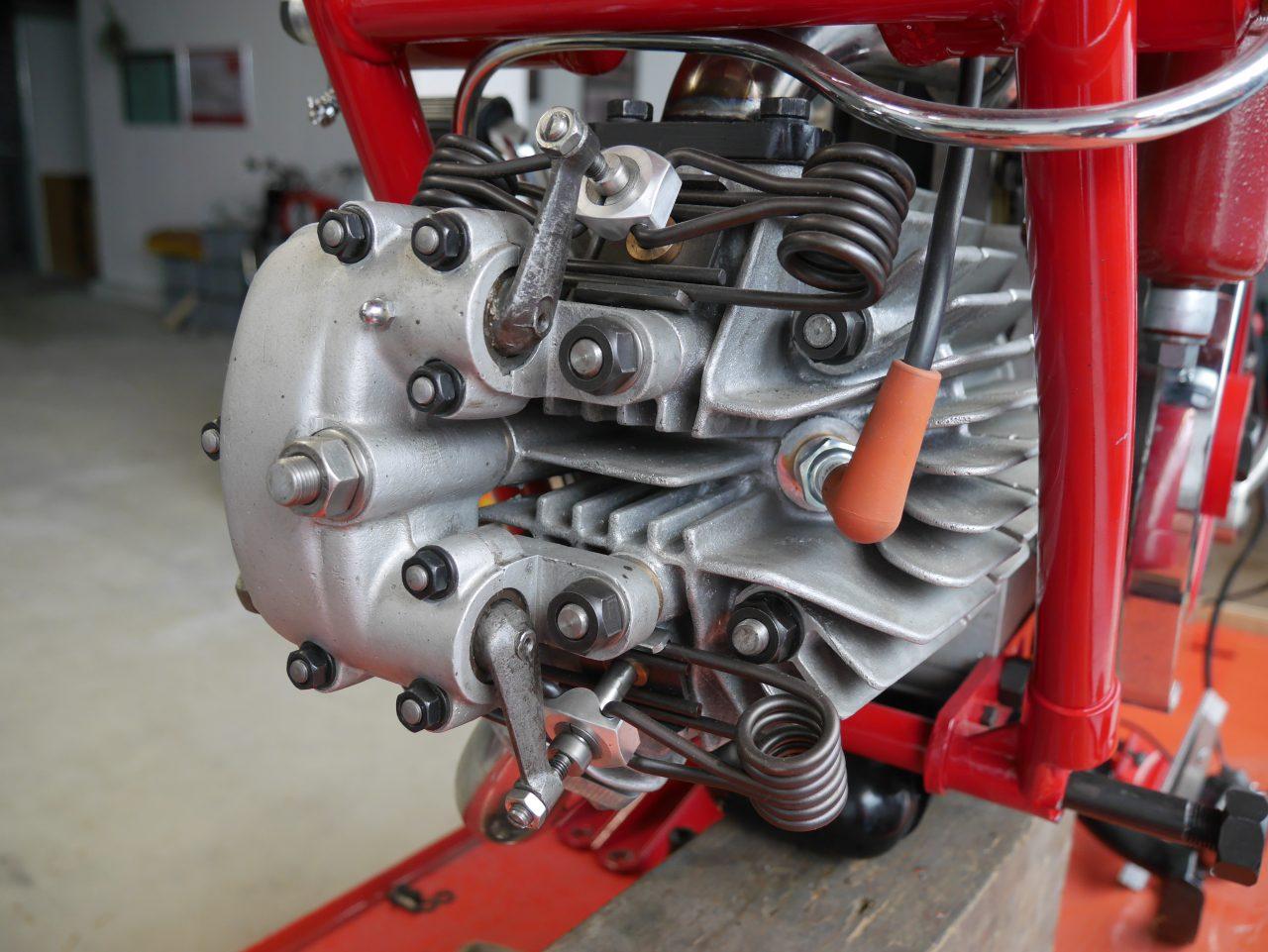 2021  Unterschiedlichste Ventiltriebe bei den Einzylindern… 100 Jahre Moto Guzzi